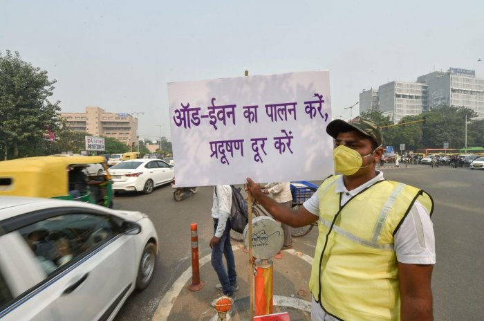 The Delhi odd-even rule has been adopted twice since Chief Minister Arvind Kejriwal's Aam Aadmi Party came to power. Photo/PTI