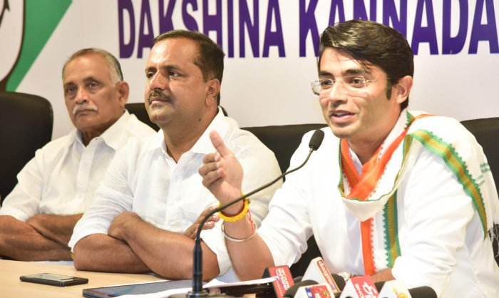 AICC spokesperson Jaiveer Shergill speaks to mediapersons at Congress Bhavan in Mangaluru on Tuesday. Former ministers K Abhayachandra Jain and U T Khader are seen.