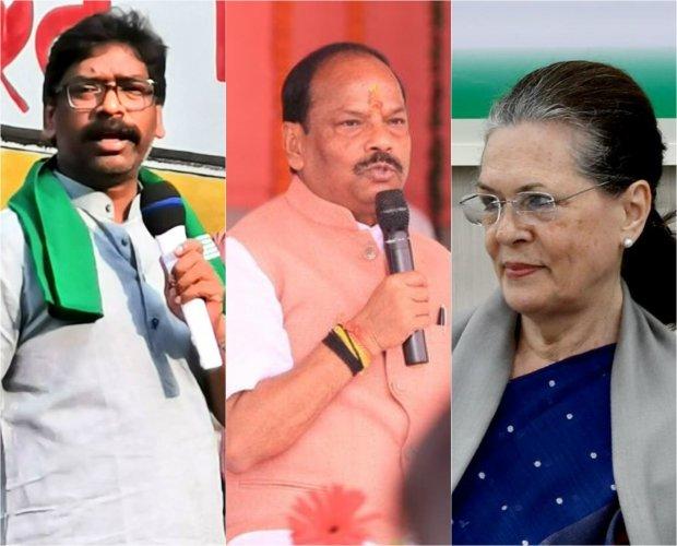 Jharkhand Mukti Morcha president Hemant Soren (L), Jharkhand Chief Minister Raghubar Das (C) and Congress President Sonia Gandhi (R)