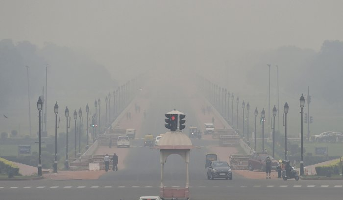 """India is grappling with a """"public health disaster"""" and the air pollution levels in New Delhi are a """"visible killer"""". (PTI Photo)"""