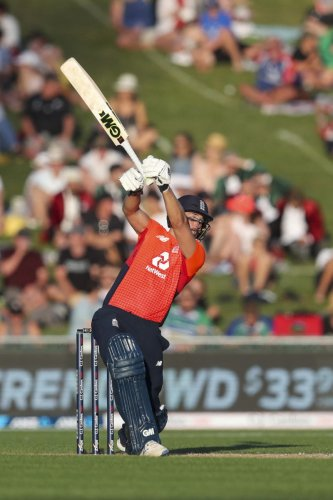 England's David Milan loses his bat during the T20 cricket match between England and New Zealand in Napier, New Zealand, Friday, Nov. 8, 2019. (AP/PTI Photo)