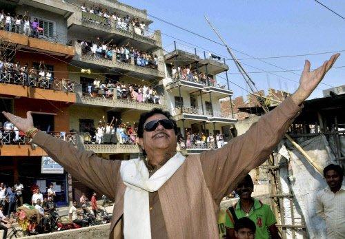 Star war grips Patna Sahib; JD(U) banks on caste