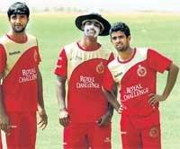Jennings banks on Kumble, Dravid