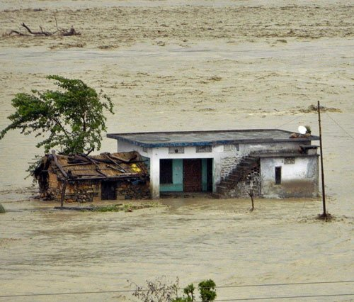 Flood threat looms large over UP