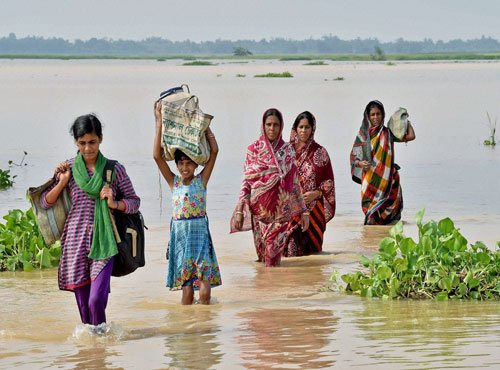 Bengal flood toll 97, situation improves