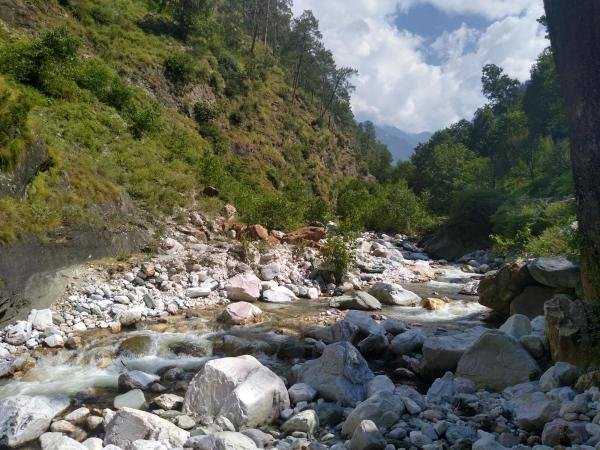 A typical hilly rivulet near Shat village in Kullu district of Himachal Pradesh. The village witnessed a devastating flash flood in 1994 when the same rivulet turned deadly for 27 people. (DH photo)