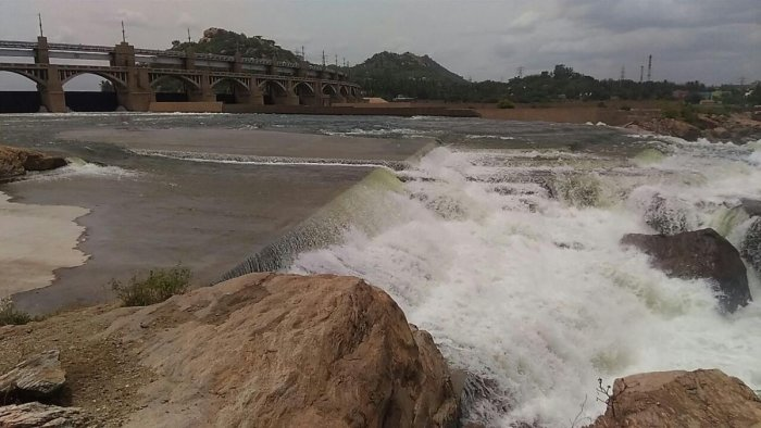 With 35,000 cusecs of water being released from Mettur, Salem district administration has asked people in 16 revenue villages that are on the banks of the river Cauvery not to go near the riverside.
