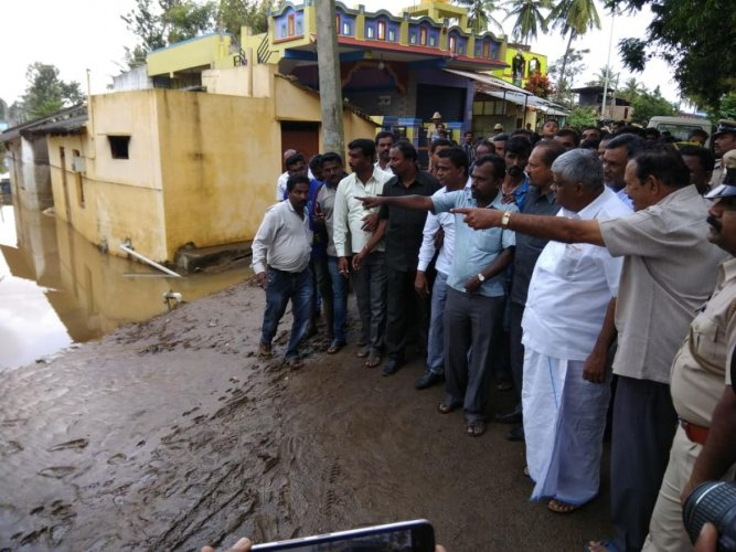PWD Minister H D Revanna visits Ramnathpur flood hit region in Hassan district. DH file photo