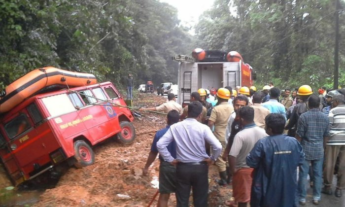 A fire tender caught in the slush, while returning from Jodupala at Sampaje. (DH file photo)
