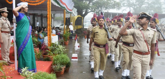 Deputy Commissioner Annies Kanmani Joy receives a guard of honour at the Independence Day programme at Old Fort premises in Madikeri on Thursday.