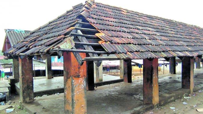 The pathetic condition of Siddapura market.
