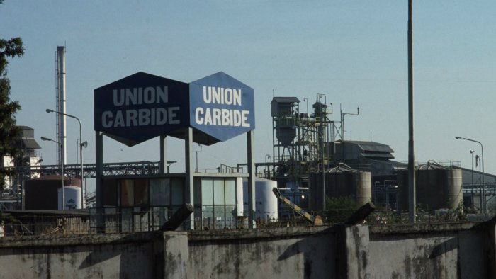 Poisonous gas that leaked from the Union Carbide plant on December 2/3 night, killing over 30,000 and maiming over five lakh people in Bhopal. (File Photo)