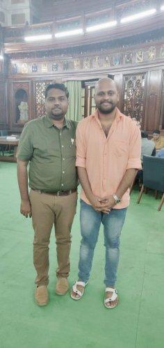 Dharmapuri MP Dr S Senthilkumar (left) with Lakshmi Narasimman, a resident of Noida, inside the Parliament House on Wednesday. (Photo Credit: Twitter)