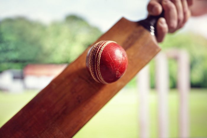 Police have issued notices to the KSCA and the seven teams involved in the Karnataka Premier League (KPL) over the betting and spot-fixing scam.