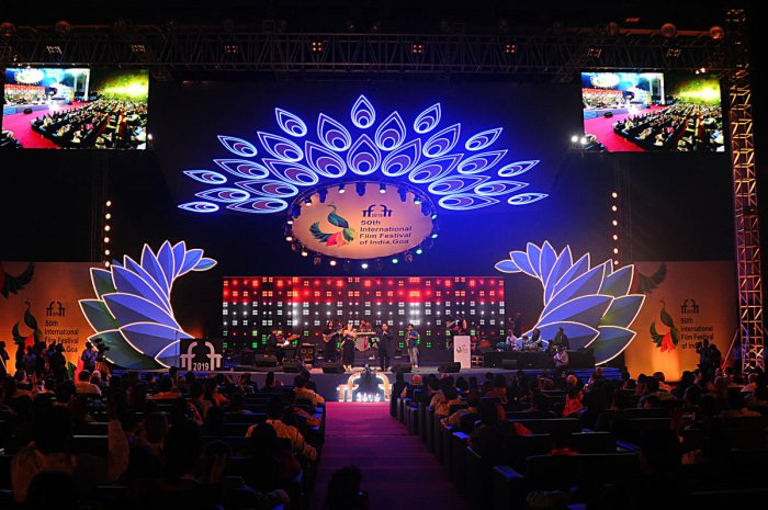 Singer Shankar Mahadevan and team perform at the opening ceremony at Dr. Shyama Prasad Stadium in Goa on Wednesday.   DH Photo: Pushkar V