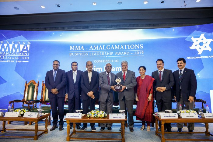 Wipro chairman Azim Premji being presented with Madras Management Association-Amalgamations Business Leadership Award 2019 by A Krishnamoorthy, Chairman, Amalgamations Group in Chennai on Thursday. TAFE Chairperson Mallika Srinivasan is also seen. DH photo