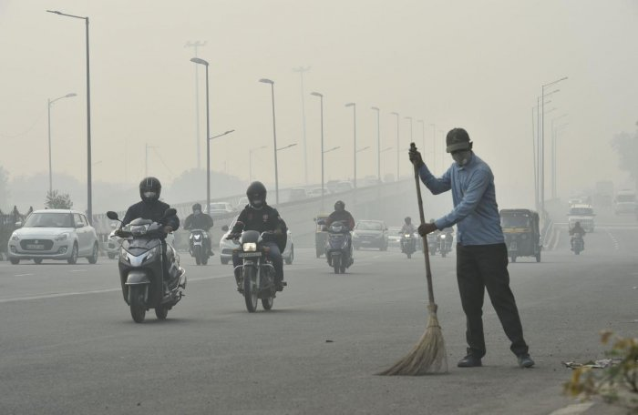 According to the India Meteorological Department, very low wind speed and high humidity due to shallow fog in the morning led to the accumulation of pollutants. Photo/PTI
