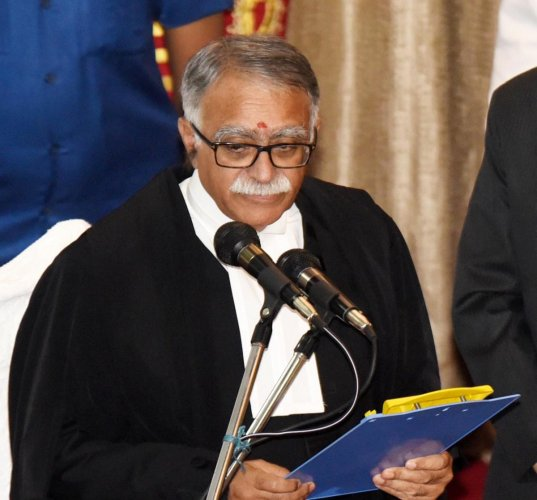 A division bench of Chief Justice Sanjay Karol and Justice Dinesh Kumar Singh on Thursday directed the state government to file a detailed reply as to how it intends to deal with the pending cases arising out of liquor ban in the state. Photo/PTI