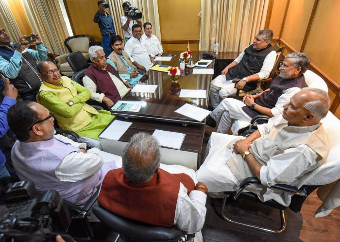 Bihar Assembly Speaker Vijay Chaudhary during an all-party meeting with Deputy CM Sushil Kumar Modi and RJD senior leader Abdul Bari Siddiqui, JDU senior leader Shravan Kumar, Congress senior leader Sadanand Singh and others at Central Hall, in Patna. (PT