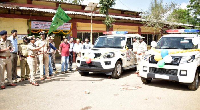 Superintendent of Police Dr Suman D Pennekar launches Emergency response vehicles 112, in the premises of the SP's office in Madikeri on Friday.