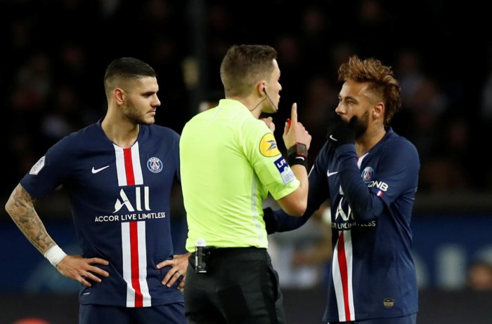 Paris St Germain's Neymar remonstrates with referee Clement Turpin