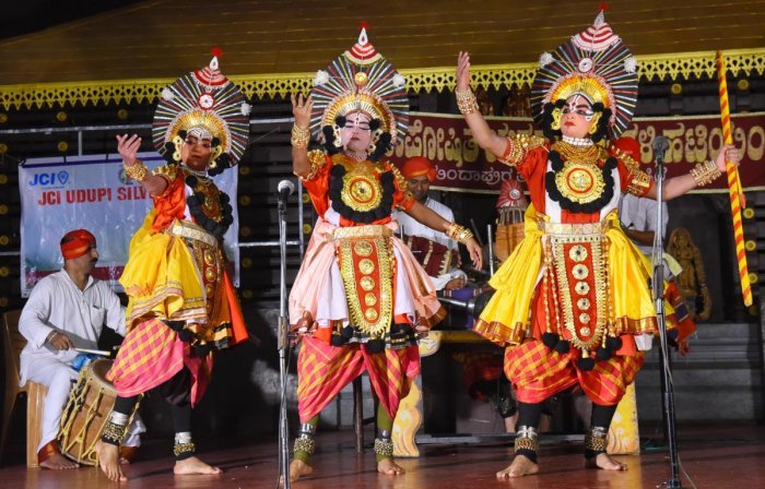 The court directed the Dakshana Kannada deputy commissioner to supervise the activities of Yakshagana Mela and review the accounts every 15 days of the same.