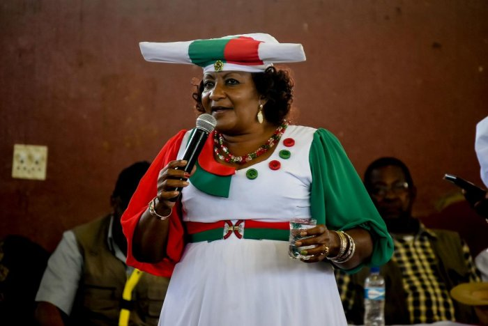 Namibian party National Unity Democratic Organisation (NUDO) presidential candidate Esther Utjiua Muinjangue (C) addresses her supporters during a presidential campaign rally at the UN plaza. (AFP file photo)