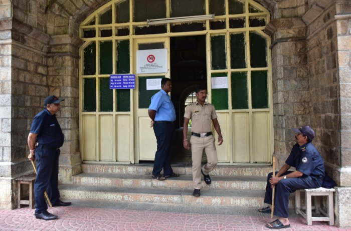 The BMCRI decided to appoint home guards weeks after members of a pro-Kannada outfit allegedly heckled and assaulted a doctor at the Minto Ophthalmic Hospital on November 1.