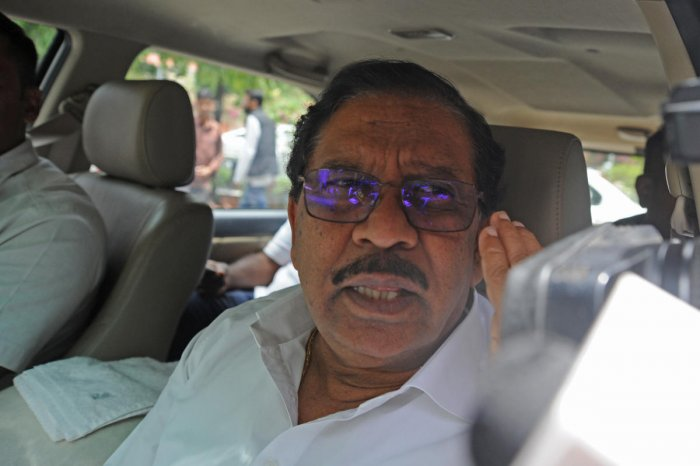 Scheduled Castecommunity people surrounded Parameshwara and demanded to promise to make a Dalit as chief minister. (File Photo)