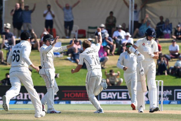 New Zealand's Neil Wagner celebrates taking the wicket of England's Stuart Broad. (Reuters photo)