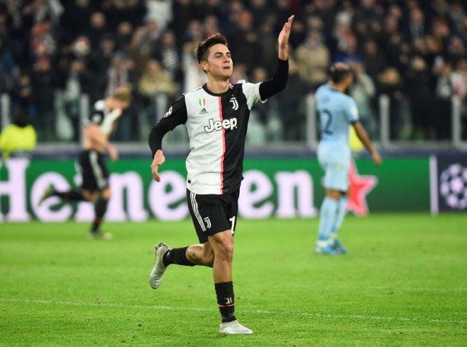 Juventus' Paulo Dybala celebrates scoring their first goal. (Reuters photo)
