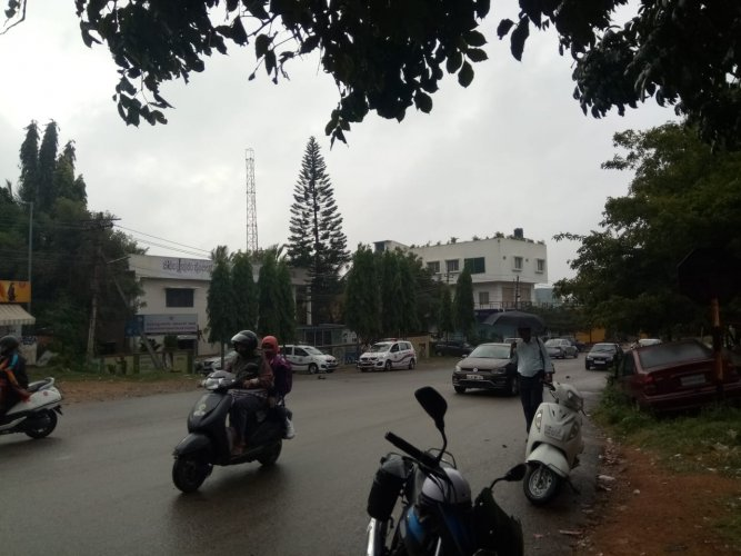 The city and adjoining villages witnessed light showers from early morning on Wednesday.(DH photo)