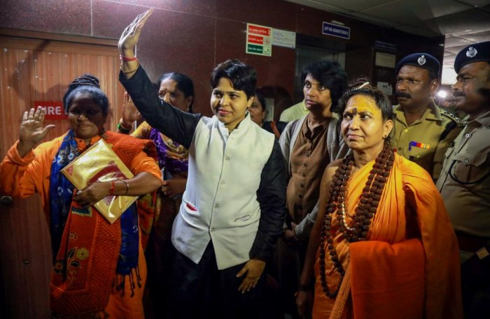 Trupti hailed from a stronghold of the RSS-BJP and her moves to visit Sabarimala could be aimed at sabotaging the ongoing two-month-long Sabarimala pilgrimage season. The presence of Hindu activists at Kochi commissionerate premises with chilly spray as soon as Trupti reached there strengthenssuspicion of a ploy, said Kerala Devaswom minister. Photo/AFP