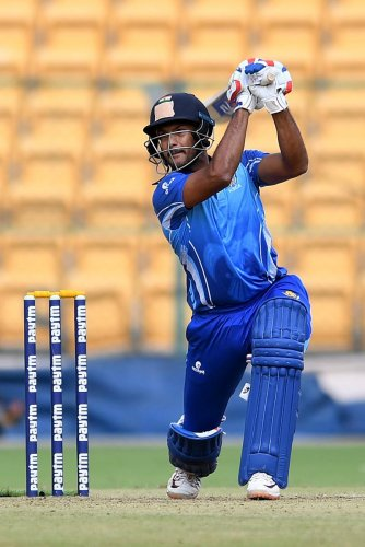 Mayank Agarwal's inclusion will bolster Karnataka batting in the semifinal against Haryana on Friday. DH FILE PHOTO