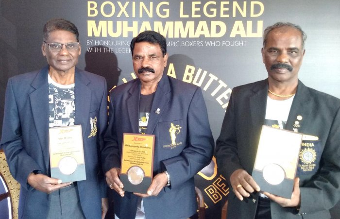 Indian boxing greats (from left) Capt M Venu, Ganapathy Manoharan and Capt Isaac Amaldass, at a felicitation event in Bengaluru on Thursday. DH PHOTO