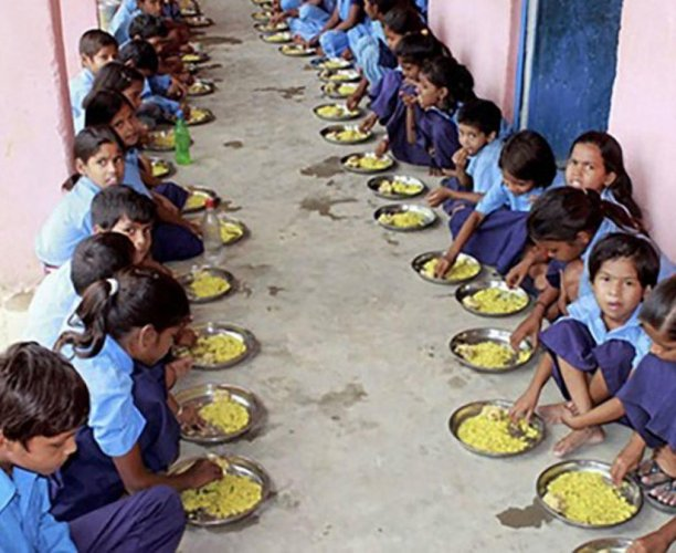 It may be recalled thatduring the Siddaramaiah-led previous Congress regime, the government had withdrawn themiddaymealfacility served by the Kollurtemple to the children of the school run by RSS leader Kalladka Prabhakar Bhat.