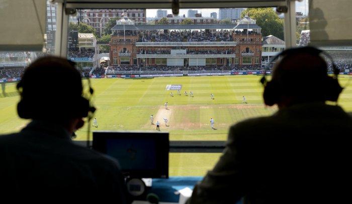 Sanjay Manjrekar's condescending remark at commentator Harsha Bhogle reflects cricketers' superior feeling