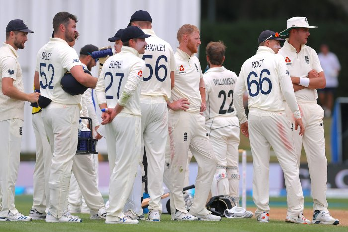England's players wait for catch out appeal decision against New Zealand's captain Kane Williamson during the fifth day of the second cricket Test match between England and New Zealand at Seddon Park in Hamilton. (AFP Photo)
