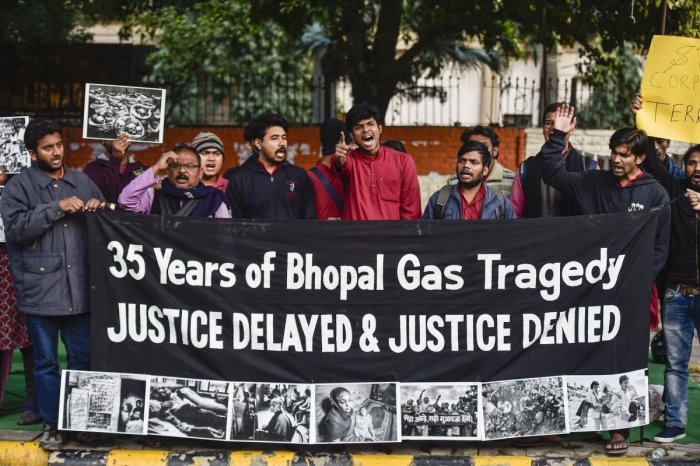 Survivors of the Bhopal Gas tragedy stage a protest demanding justice, on its 35th anniversary, at Jantar Mantar, in New Delhi, Tuesday, Dec. 3, 2019. Photo/PTI