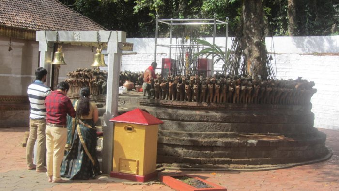 The Makki Shasthavu Temple in Bethu village near Napoklu town, where clay dogs are offered by devotees.