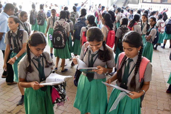SSLC students' last-minute preparations before appearing for an examination. Dh-file photo
