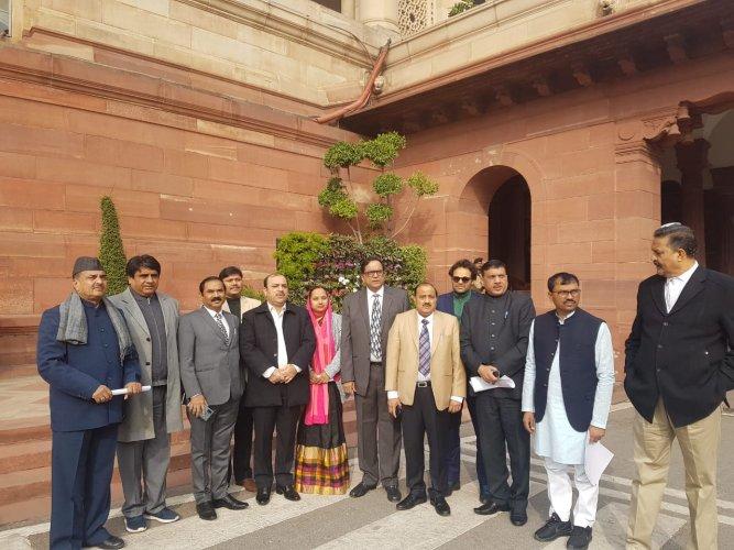 A Bahujan Samaj Party (BSP) parliamentary delegation is meeting President Ram Nath Kovind over the Citizenship (Amendment) Act. Photo/ANI