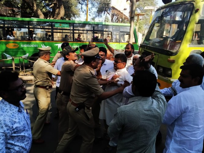Police have detained 21 persons and shifted them to CAR ground in Hubbali.(DH Photo)