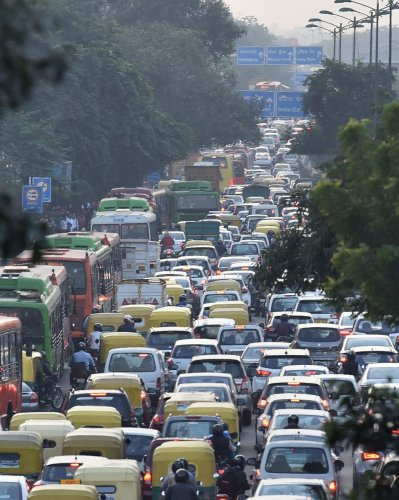 Traffic is heavy in the carriageway from Delhi Gate to GPO due to Swabhiman Rally, the police said.  Traffic is also affected on the Subhash Marg, Peeli Kothi, Shyama Prasad Mukherjee Marg, Red Fort and Old Delhi Railway Station. Photo/PTI