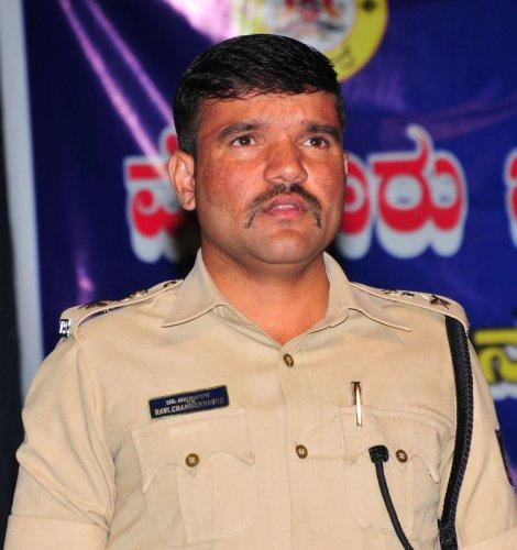 Ravi D Channannavar