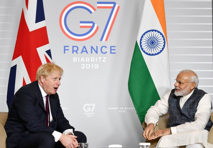 Britain's Prime Minister Boris Johnson meets Indian Prime Minister Narendra Modi at a bilateral meeting during the G7 summit in Biarritz, France August 25, 2019. (Reuters Photo)