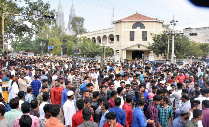 Protesters come out of Milad Bagh Park in Mysuru on Thursday. dh photo