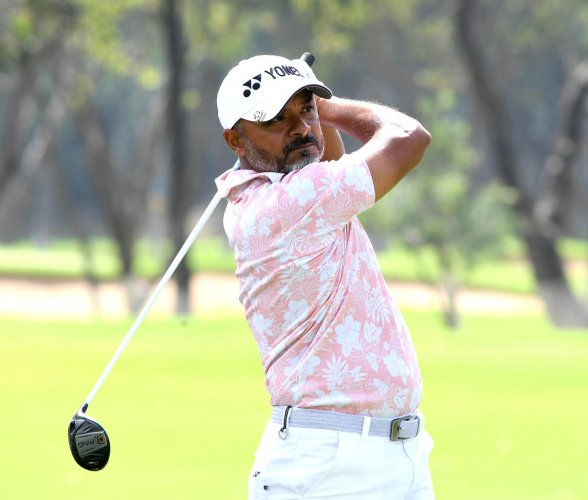 Rahil Gangjee carded 71 to stay in contention at second place in Bengaluru Open Golf Championship at the KGA course on Thursday. DH Photo/ Srikanta Sharma R