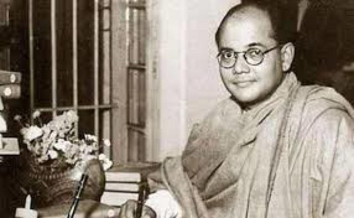The report said that like Netaji, the voice of Gumnami Baba was extremely effective and powerful and attracted the people toward him.