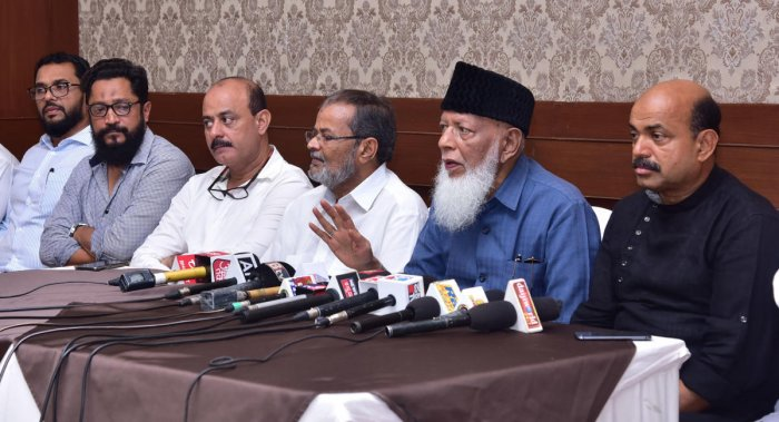 Muslim Central Committee President and former MLC K S Mohammed Masood speaks to mediapersons in Mangaluru on Sunday. DH Photo